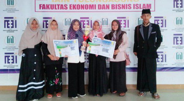 Sabet Juara Dalam Lomba Pidato Empat Bahasa